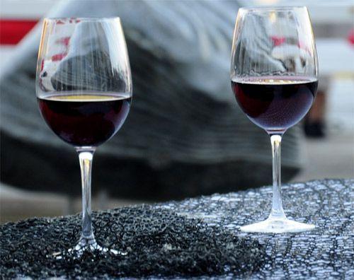 El vino podría ser eficaz para la prevención de úlceras y gastritis.