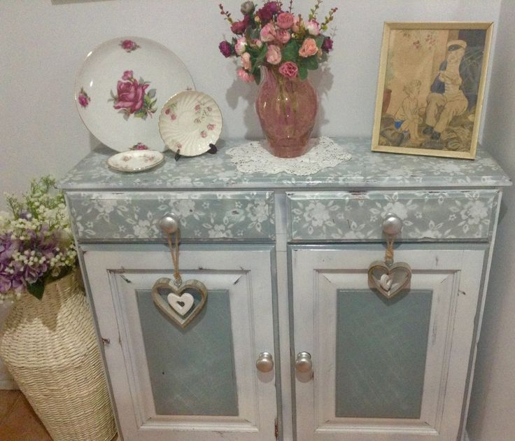 How to use Lace as a Template for painting Furniture. A guide that shows you how simple , budget friendly and visually beautiful this technique is and how happy you will be with your finished project.