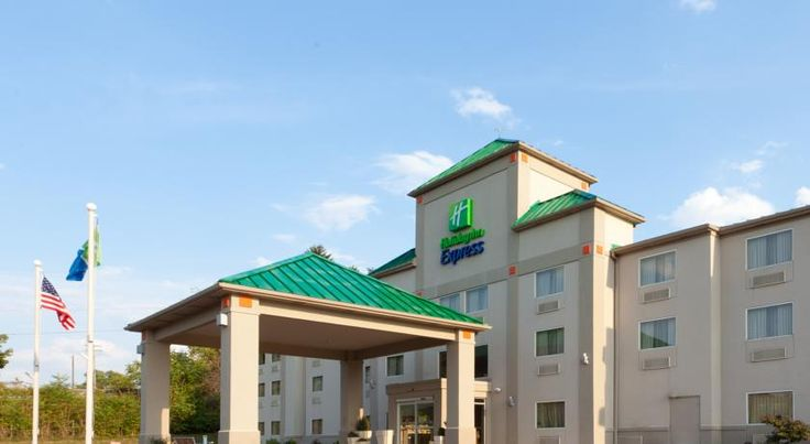 Holiday Inn Express Irwin-PA Turnpike Exit 67 Irwin This North Huntingdon, Pennsylvania hotel is located near Interstate 76.  It offers airport transfers, daily breakfast and rooms with free Wi-Fi.  A cable TV and a work desk are furnished in each room at Holiday Inn Express Irwin.