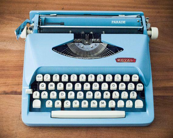 Working Royal Parade Typewriter Blue Typewriter Portable