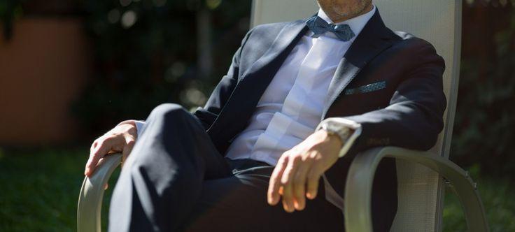 Abito blu cravatta rossa nadya
