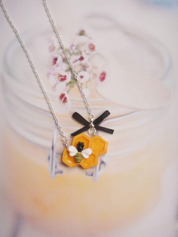 collier abeille et son miel en fimo : Collier par maemele