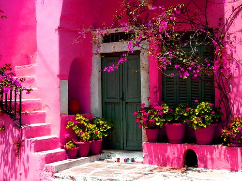 lovelyDoors, Things Pink, Favorite Places, Pink House, Pretty Pink, Colors, Gardens, Hot Pink, Pink Wall