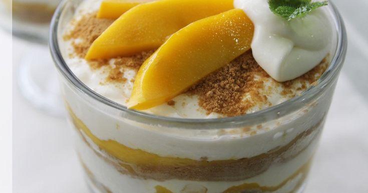 マンゴーとチーズクリーム、グラハムクラッカーで作る簡単ケーキ風デザートです。マンゴーのおいしい季節にいかがですか?