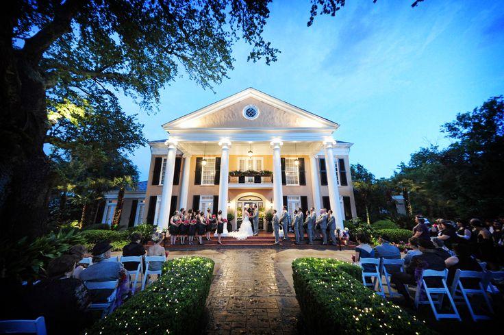 Wesele w pałacowym wydaniu <3 Najpiękniejsze pałace na wesele znajdziesz na http://www.gdziewesele.pl/