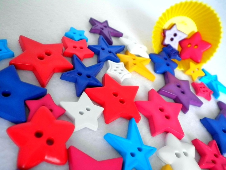 OooOOoOo stars.  50g approx x40 Bold Super Star Shaped Button Mix by kittiescloset