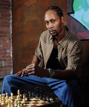 RZA in a friendly game of chess boxing