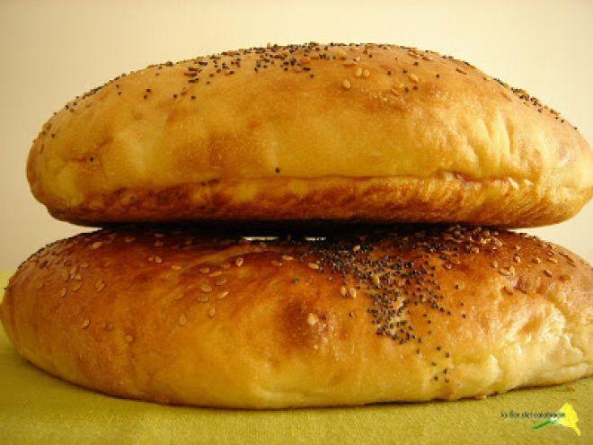 Pan turco de Ramadan (Ramazan pidesi)                                                                                                                                                                                 Más