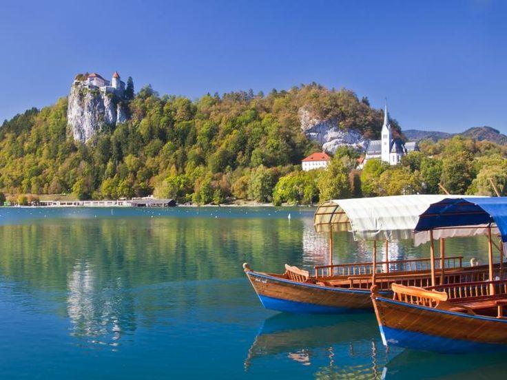 Avrupa yolu üzerindeki onlarca gölden 3'üne yakından baktık. İşte muhteşem görüntüleriyle baş döndüren o göller: http://bit.ly/1l7ZFSz #etstur #KeskeTatilOlsa #tatil #holiday #travel #dergi