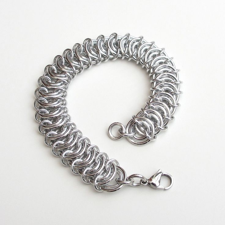 Aluminum vertebrae weave chainmaille bracelet
