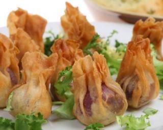 Aumônières légères pomme, mozzarella et jambon sec : http://www.fourchette-et-bikini.fr/recettes/recettes-minceur/aumonieres-legeres-pomme-mozzarella-et-jambon-sec.html