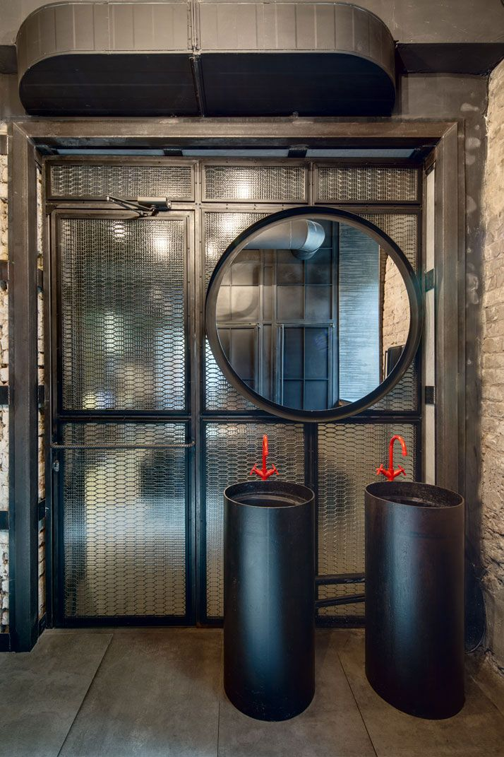 dogs + tails bar + café - kiev - sergey makhno - 2015 - bathroom