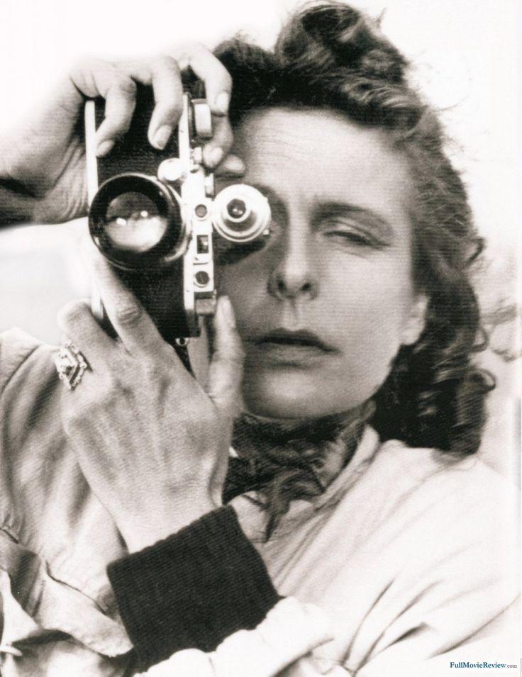 leni riefenstahl hsc Essay about leni riefenstahl - hsc question response films the blue light was the first film that leni fully directed and was quite successful as it won many awards.
