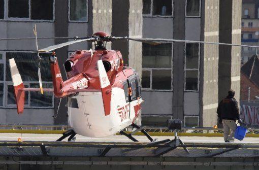 Tödlicher Unfall mit Hubschrauberrotor war Unglücksfall - Am Donnerstag wurde auf dem Dach des Katharinenhospitals ein Mann von einem Hubschrauberrotor getötet. Jetzt liegt das Ergebnis der Ermittlungen vor. http://www.stuttgarter-zeitung.de/inhalt.katharinenhospital-stuttgart-toedlicher-unfall-mit-hubschrauberrotor-war-ungluecksfall.edbf2864-cb83-4999-abb0-26568a25b936.html