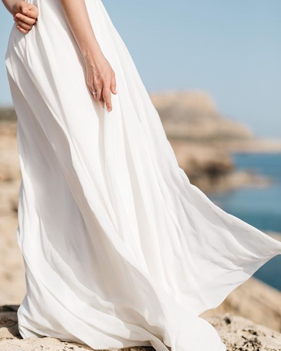 White and light blue is a perfect colour match isn't it? #fontanawedding #antonwelt #wedding #bride #bridalinspiration #weddingdress #cyprus