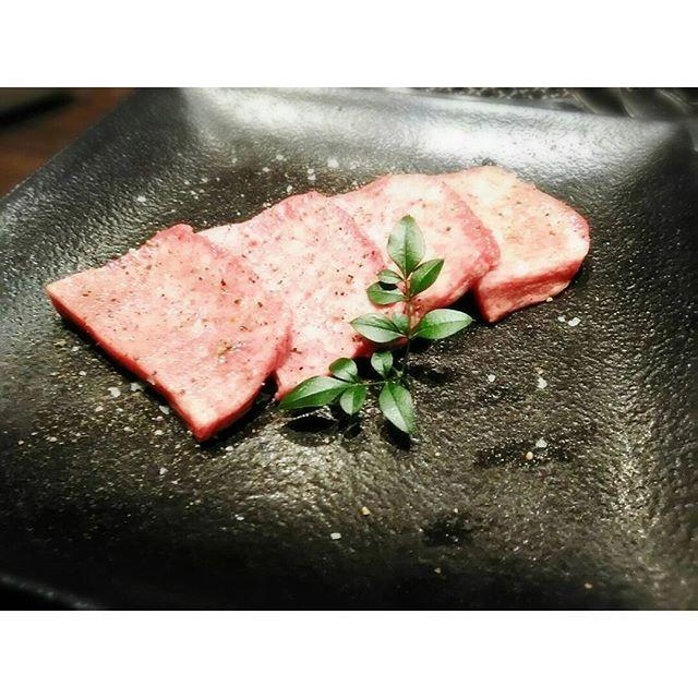 肉肉肉 ※ ※ #大阪#肉#肉食#肉食女子#肉大好き#焼き肉#夕食#外食#世界で一番お肉が好きだー#毎日でも飽きない#japan#kitashinch#meet#beef#delicious#follow #followme #followalways #like4like #tagsforlikes #instagood  #cotarros