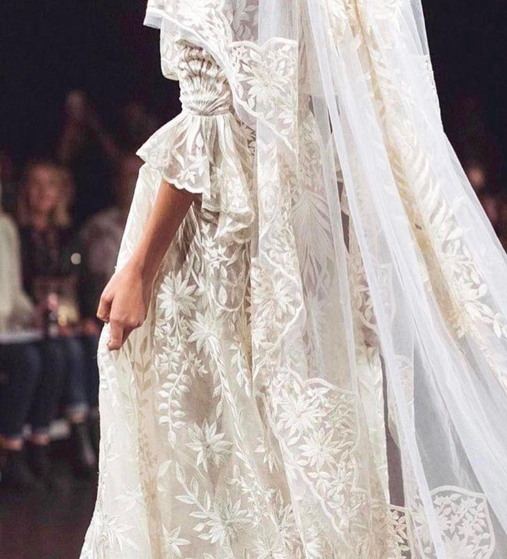 @naeemkhanbride ✨✨✨ laceandembroidery#weddingplanning #weddingtips #vogue #designer #weddingdressdesigner #bridal #bridalcouture #bridalfashion #bridaldesigner #weddingphoto #weddinginspiration #weddingblog #bride #lace #embroidery #sydney #sydneydesigner #australian