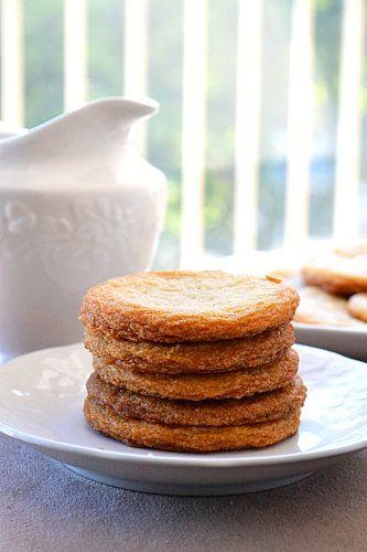 Short Stack Cookies...tastes like pancakes slathered in butter and syrup. I'm drooling.