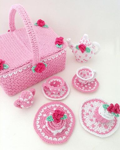 Picture of Polka Dot Tea Set With Picnic Basket Crochet Pattern