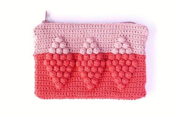 A small size purse that looks great, but is also practical. Pretty enough to show off if youre using it as a wallet or small clutch, but small