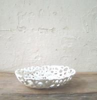String oval soap dish