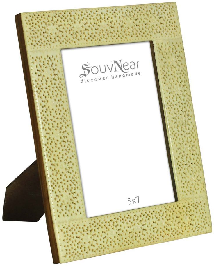 Best 25 wholesale picture frames ideas on pinterest for Craft picture frames bulk