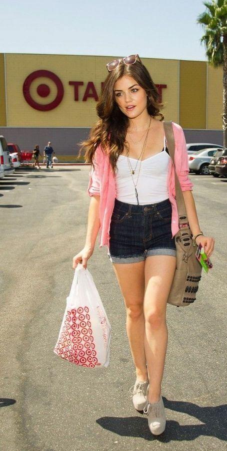 Lucy Hale, Summer outfit, ropa de verano, sun, short tiro alto, high,