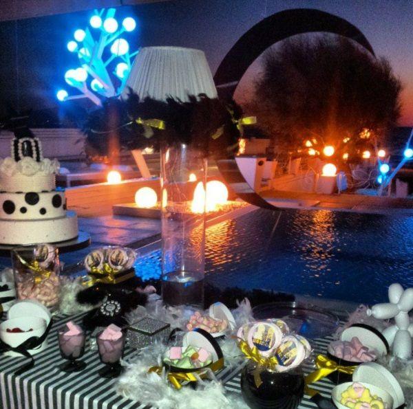 Matrimoni in spiaggia. Dolci, confetti e caramelle per un corner della dolcezza