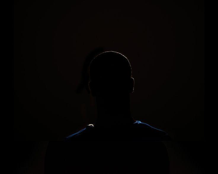 Aldo Soligno, B. 27 anni, dalla serie Let them show their faces, Stampa digitale su carta baritata, cm 80 x 100, ed. 1/5.