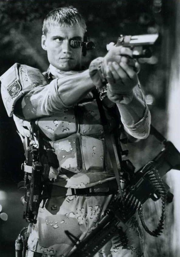Картинки из кинофильма универсальный солдат
