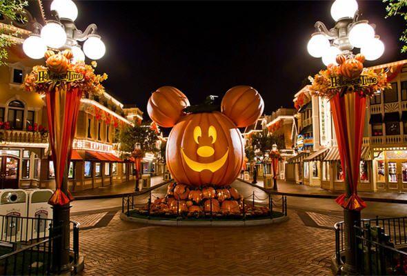 disney world at halloween | disneyland en Halloween