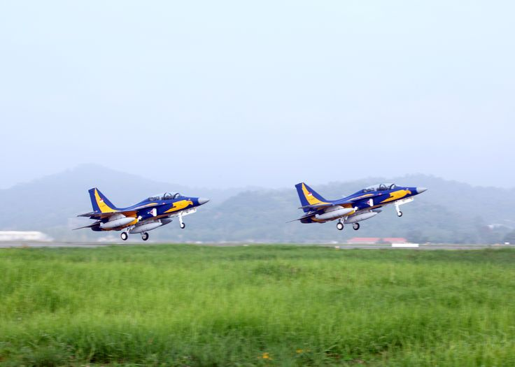In mid-September,a pair of blue & yellow-liveried Korea Aerospace Industries T-50i Golden Eagle advanced jet trainers lifted off from company's Sacheon runway,bound for Indonesia.Apart from fact T-50 & assorted variants powered by a US engine-General Electric F404-had great deal of design input from US airframer,Lockheed Martin,was proud moment for KAI.Did not fly direct to Indonesia,but stopped in Taiwan & Philippines.Latter notable because KAI hopes Manila will buy 12 advanced…