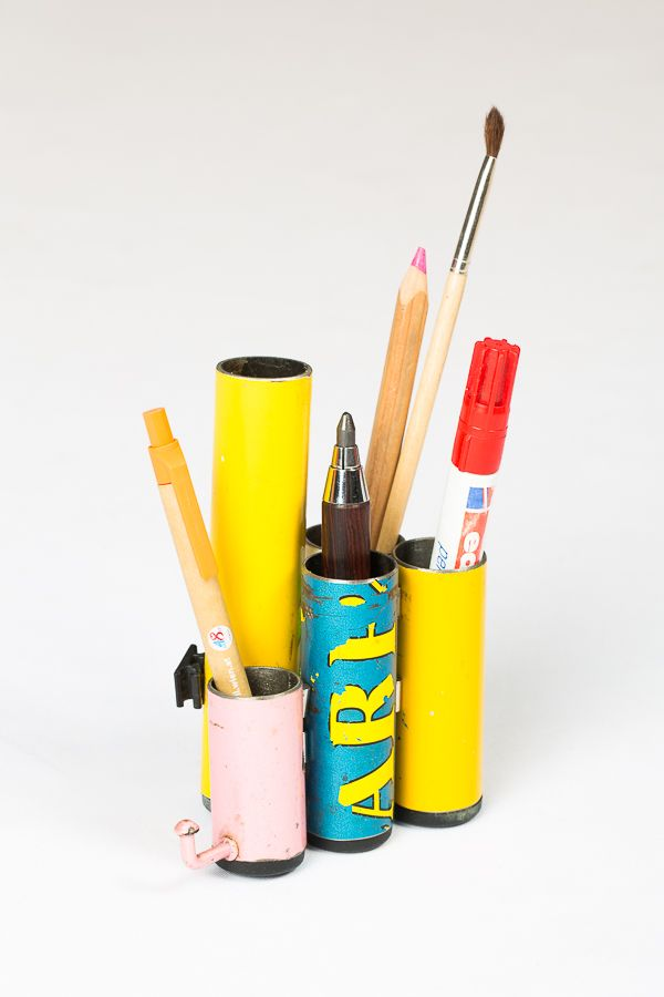 Aus unterschiedlichen Rohren wird ein schöner Bleistifthalter erstellt: zusammengehalten von feinen Magneten.  Einfach feines Design!