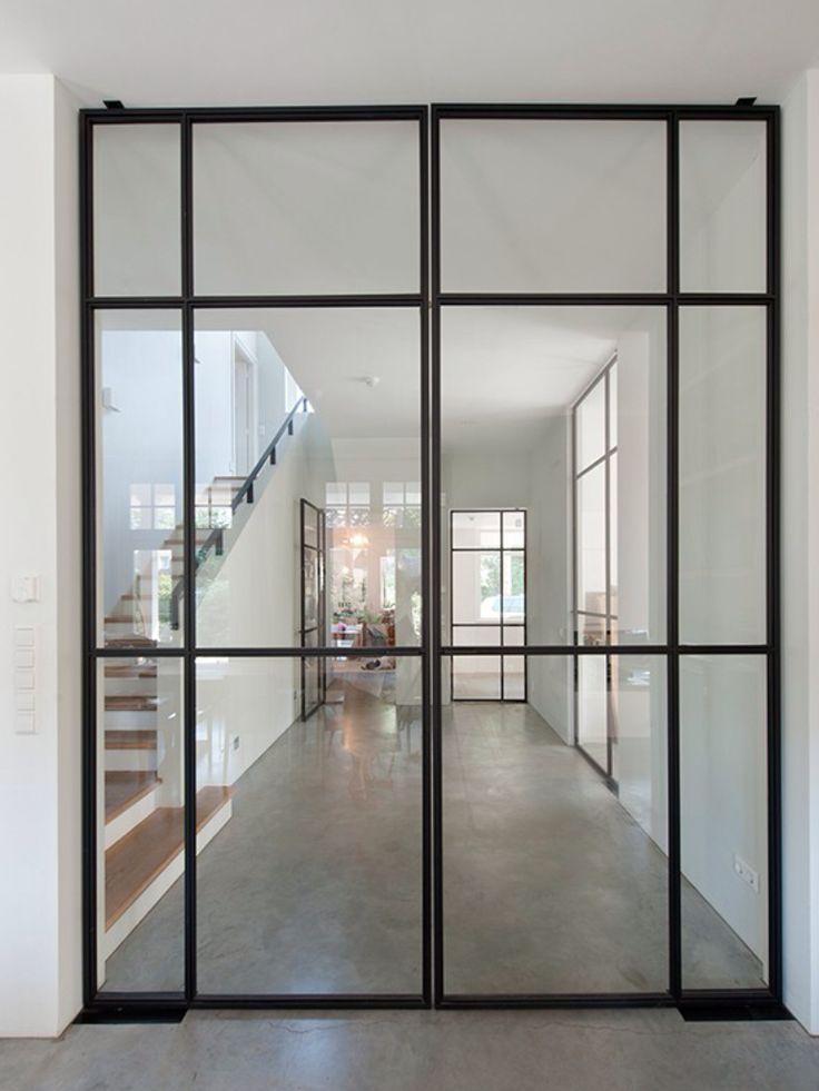 indeling stalen deur met glas