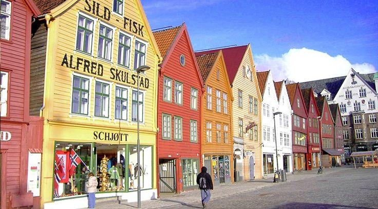 Por todo território norueguês existem diversos locais reconhecidos pela UNESCO como patrimônios, o que significa que sua importância foi reconhecida pelo maior órgão internacional de educação, ciência e cultura. Por isso, antes de embarcar em uma viagem para o destino, vale a pena...