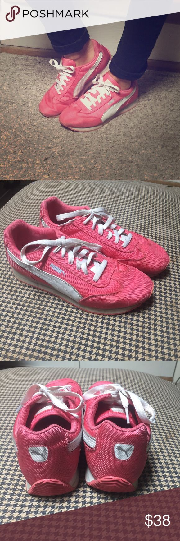 Pink women's Puma retro style running shoes SZ 9 Pink Vintage Puma Runner style women's tennis shoes size 9. Like new. Fun 😜 crazy pink color! Puma Shoes Athletic Shoes
