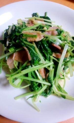 楽天が運営する楽天レシピ。ユーザーさんが投稿した「モリモリ食べれる☆水菜のマヨガーリック炒め」のレシピページです。水菜を消費するのに困ったら、、是非是非作ってみてください♪。水菜炒め。水菜,ベーコン,オリーブオイル,にんにく,マヨネーズ,醤油,塩・こしょう