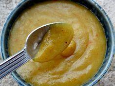 Ketchup pimenté aux bananes (Sainte-Lucie) Cuisiner pour la paix : aujourd'hui le 22 février c'est la fête nationale de l'Île de Sainte-Lucie qui fête son indépendance vis-à-vis du Royaume-Uni. Cette île est située dans la Caraïbes et a été le motif de nombreux conflits entre la France et l'Angleterre qui se la disputait. La