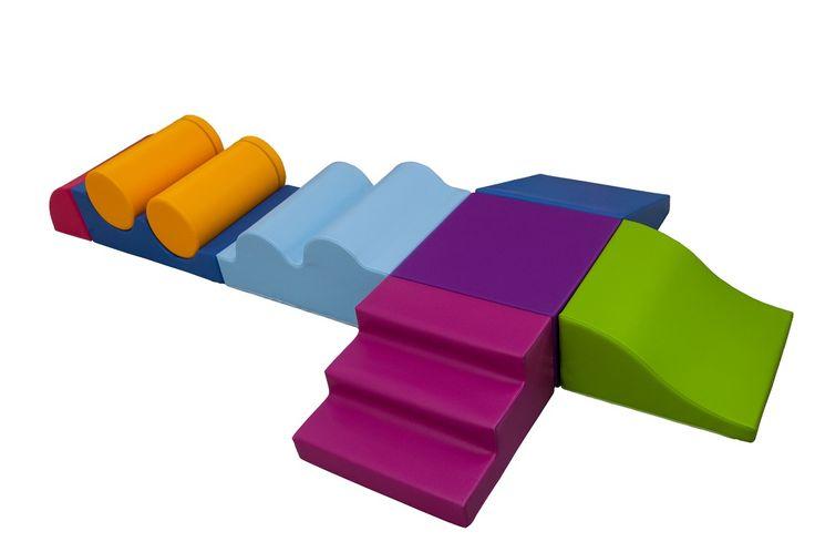 Parcours de motricité « rigolo » (9 modules) - Parcours de motricité avec 1 escalier 3 marches, 1 vallée descendante, 1 rampe, 1 ondulation convexe, 1 ondulation concave, 2 cylindres de diam 24 cm et 1 quart de lune. Dimensions : 264 x 144 cm avec une hauteur de 36 cm. #parcours #enfant #motricité #jeux #enfance #bambin #modules #mousse #rigolo #ludique #coloré