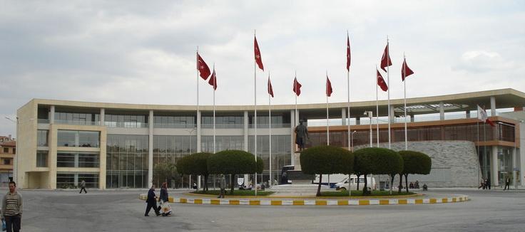 Akhisar Belediye Hizmet Binası  Maer