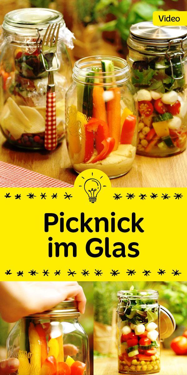 Unglaublich praktisch und dazu noch mega lecker: Picknick im Glas. Wir haben drei köstliche Ideen für dich!