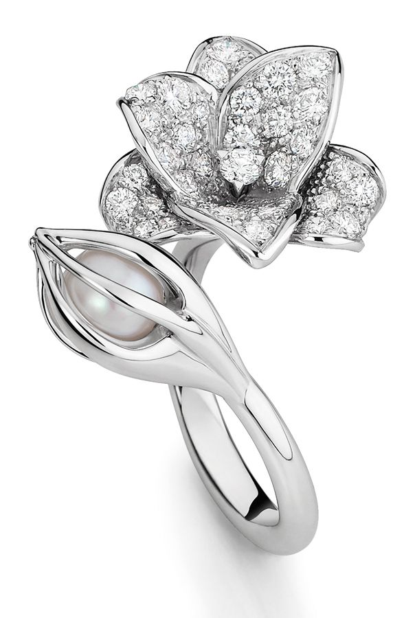 """""""Bourgeon"""" ring by #MellerioditsMeller for its #MarieDeMedicis fine #Jewellery collection"""