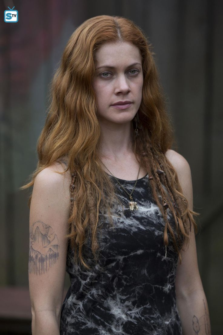 gillian-alexy-as-gwinveer-in-WGN-Americas-OUTSIDERS-premiering-Tuesday-January-26-at-9pm-ETPT