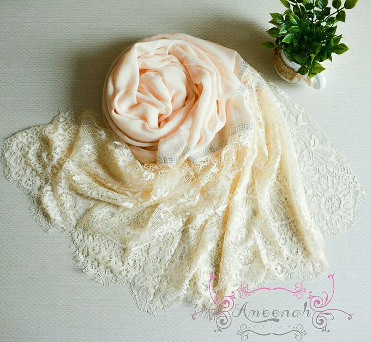 🍄Magdalena Lace Scarf (cream) 🍄Material : Polyester+lace Exclusive Import 🍄Ukuran : 190x90 cm 🍄IDR 150.000  For order Line@ameenah_hijab BBM 598B233D Shipping : Bandung