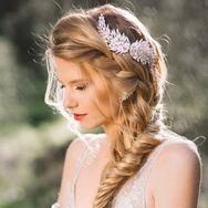 30 idées coiffure de mariage sur Pinterest qui changent du chignon de mariée | Vanity Fair