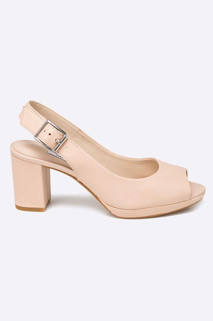Tűsarkú cipők Alkalmi cipők  - Clarks - Szandál Kelda
