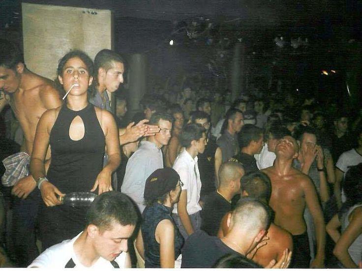 Éxtasis DJ's y skinheads: así relevó el Makineo catalán a la Ruta del Bakalao