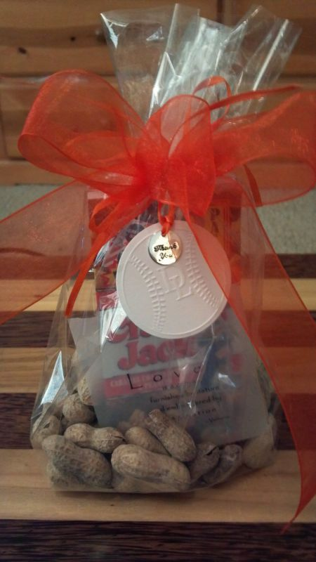 Baseball themed favor. Peanuts and cracker jacks.  Found on Weddingbee.com Share your inspiration today!