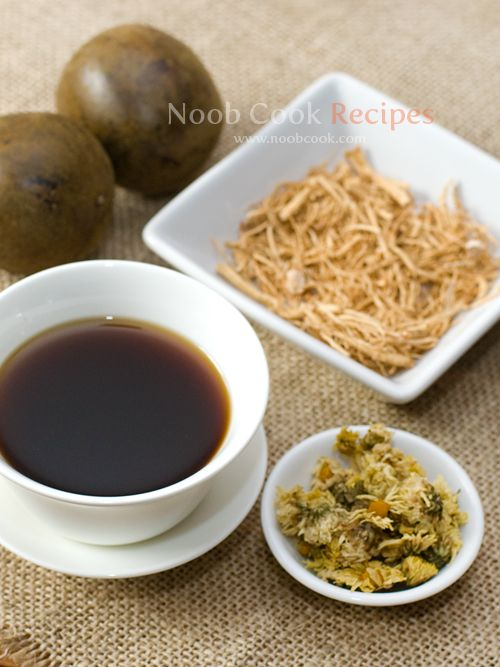 Luo han guo herbal tea (with ginseng and chrysanthemum) recipe from NoobCook. Very good for sore throats!