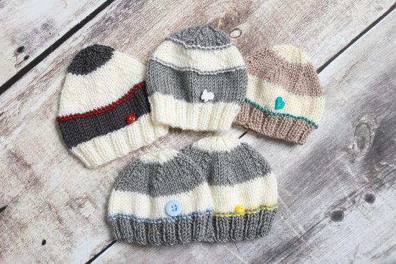 Tuque Tricotée À La Main Pour Nouveau-né Bébé par TuquesEtBoutons